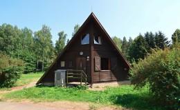 Dřevěná chata s koupelnou - 10 lůžek