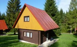 Zděná chata s příslušenstvím
